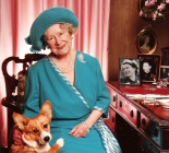 photo of queen and corgi